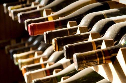 Perchè soffriamo del mal di testa da vino?